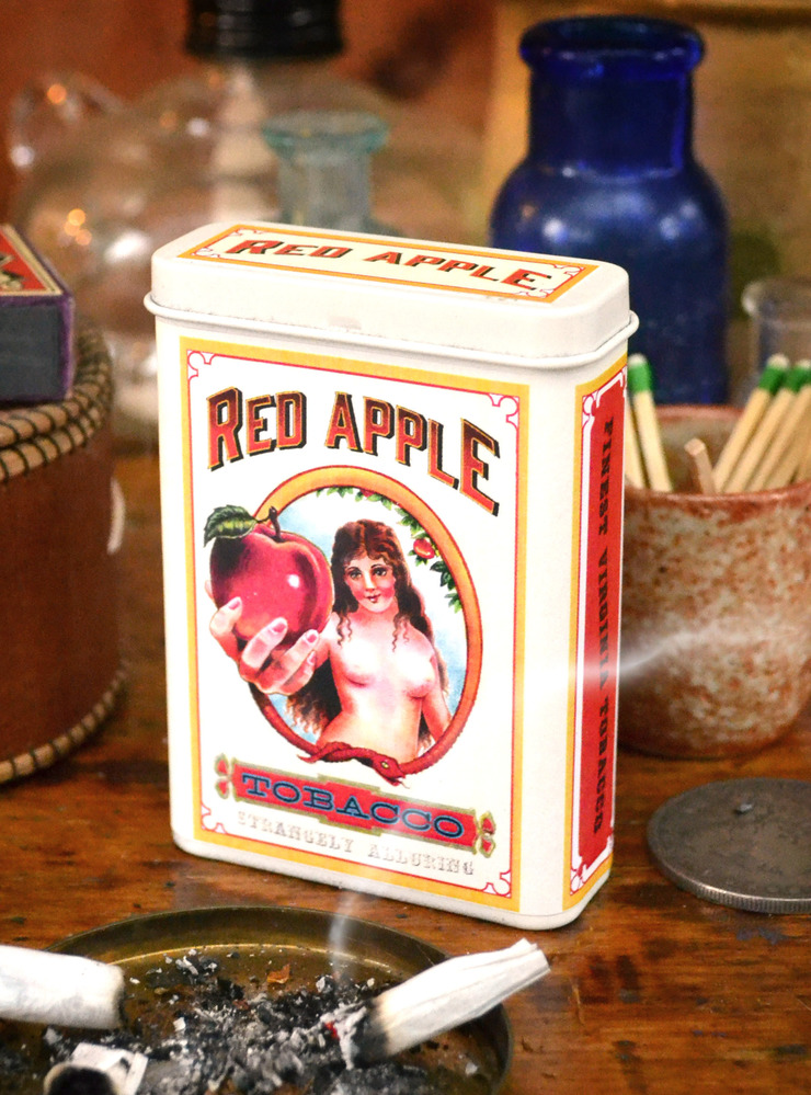 Hateful Eight & Red Apple